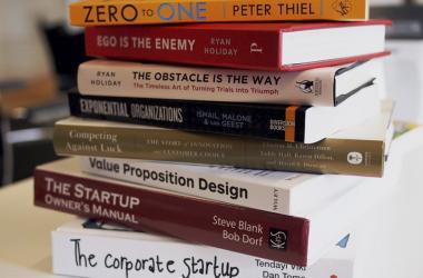 خمسة من أهم الكتب في ريادة الأعمال وإطلاق المشاريع الريادية