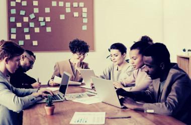 لماذا تفشل الشركات الناشئة؟ 3 أسئلة لتضمن نجاح شركتك.